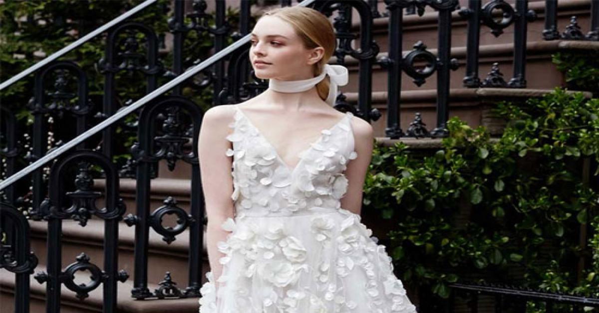 a1ba84aa9f83a أبرز صيحات فساتين الزفاف لعروس 2019