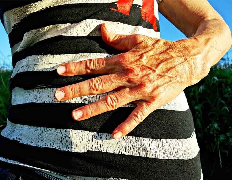 أعراض القولون العصبي وأسبابه وطرق علاجه