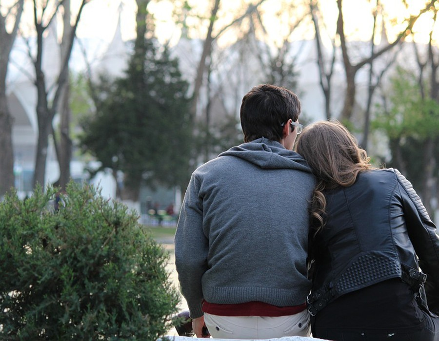 كيف تتغلب على الملل في علاقتك العاطفية