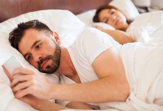 أسباب خيانة الرجل في العلاقات