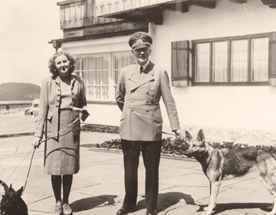 """إيفا براون زوجة """"هتلر"""" التي انتحرت معه بعد الزواج بـ 40 ساعة"""