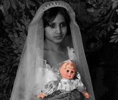 """""""زواج القاصرات""""موت للفتيات،أجنّة مشوهّة، وأمراض مُزمنة"""