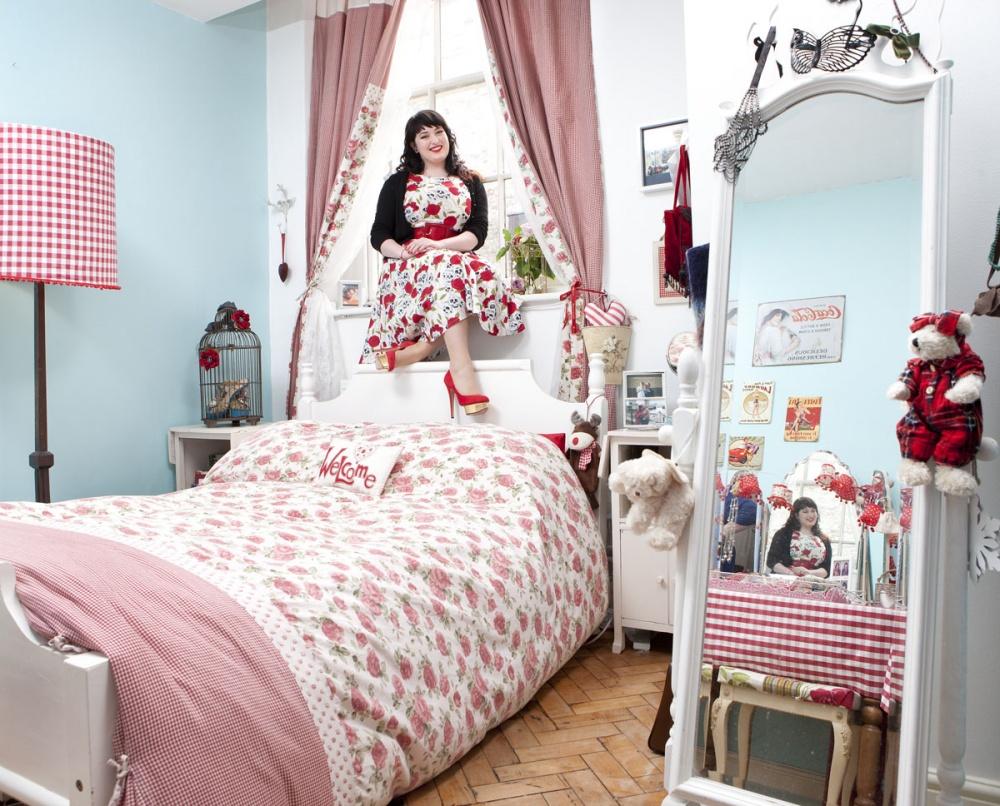 نظرة من الداخل على غرف نوم البنات