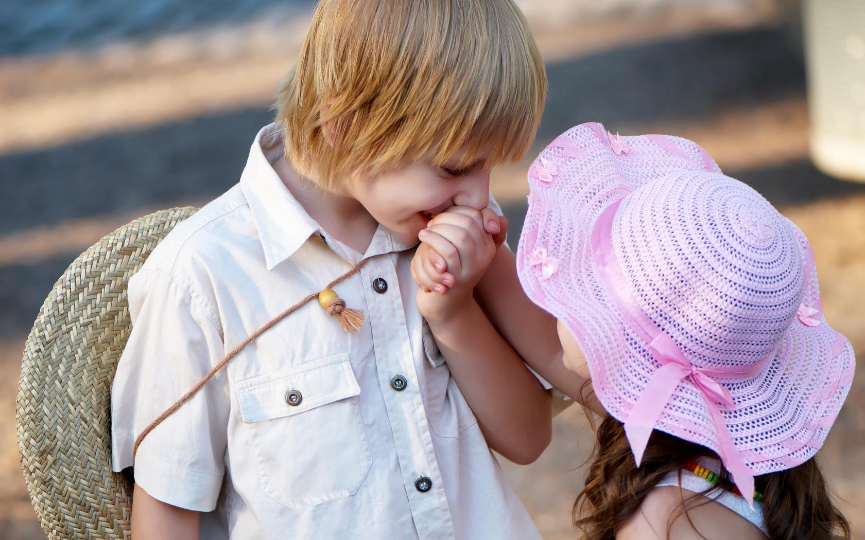 أحمد بكر يكتب : عيد الحب بين الامل واليأس والحب