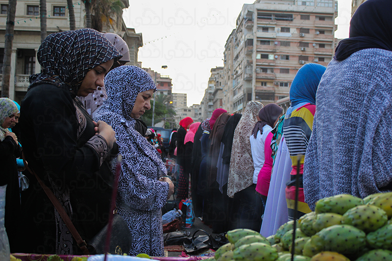 """بين """"السيلفي"""" و""""البالونات"""" صلاة العيد بطعم """"السعادة"""" في الإسكندرية"""