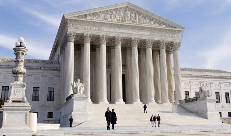 أعلى هيئة قضائية أمريكية تقرر الحق في الإجهاض