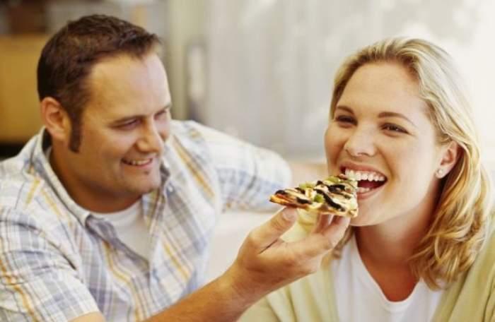 دراسة : السعادة الزوجية تزيد الوزن