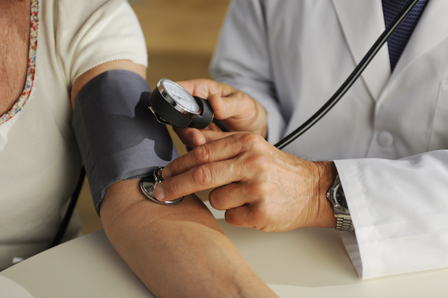 نصائح سريعة لكي عند قياس ضغط الدم