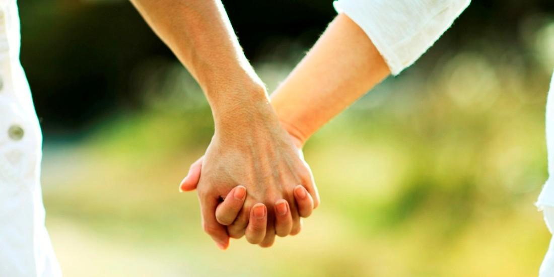 المجلة الأوروبية للأبحاث التنفيذية: ارتباط الرجال بنساء أذكى منهم يطول عمر العلاقة