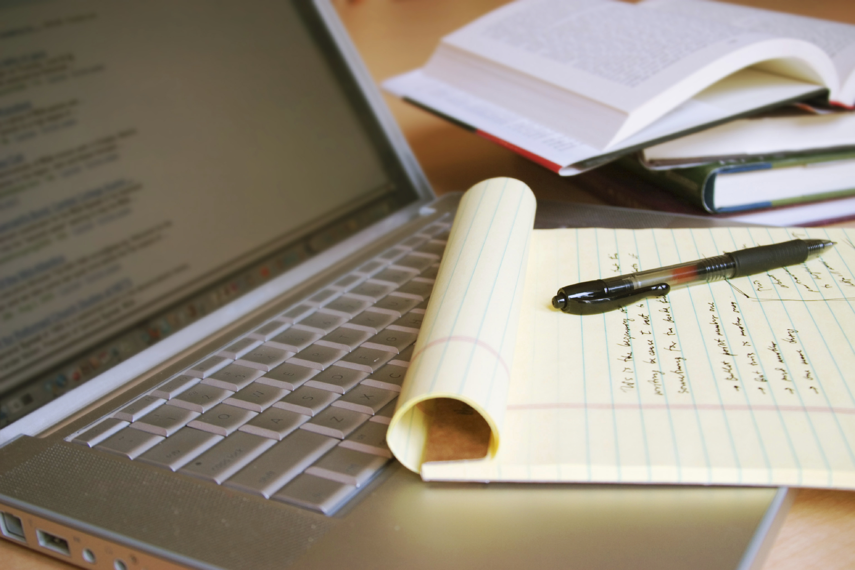 أربع منصات للتعلم المجاني عبر الانترنت