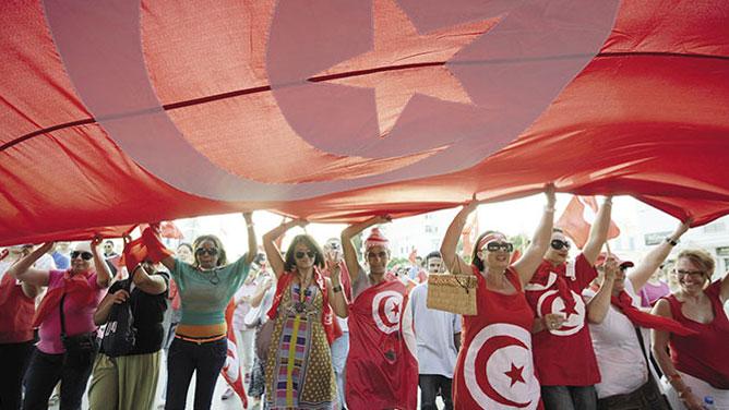 تونس.. السجن عام لكل من يضايق امرأة