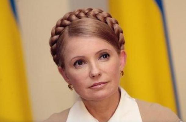 """""""يوليا"""" رئيسة الوزراء التي تصفف شعرها بنفسها"""