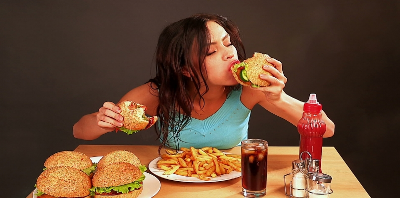 لماذا يزيد وزن الفتاة بعد الزواج؟
