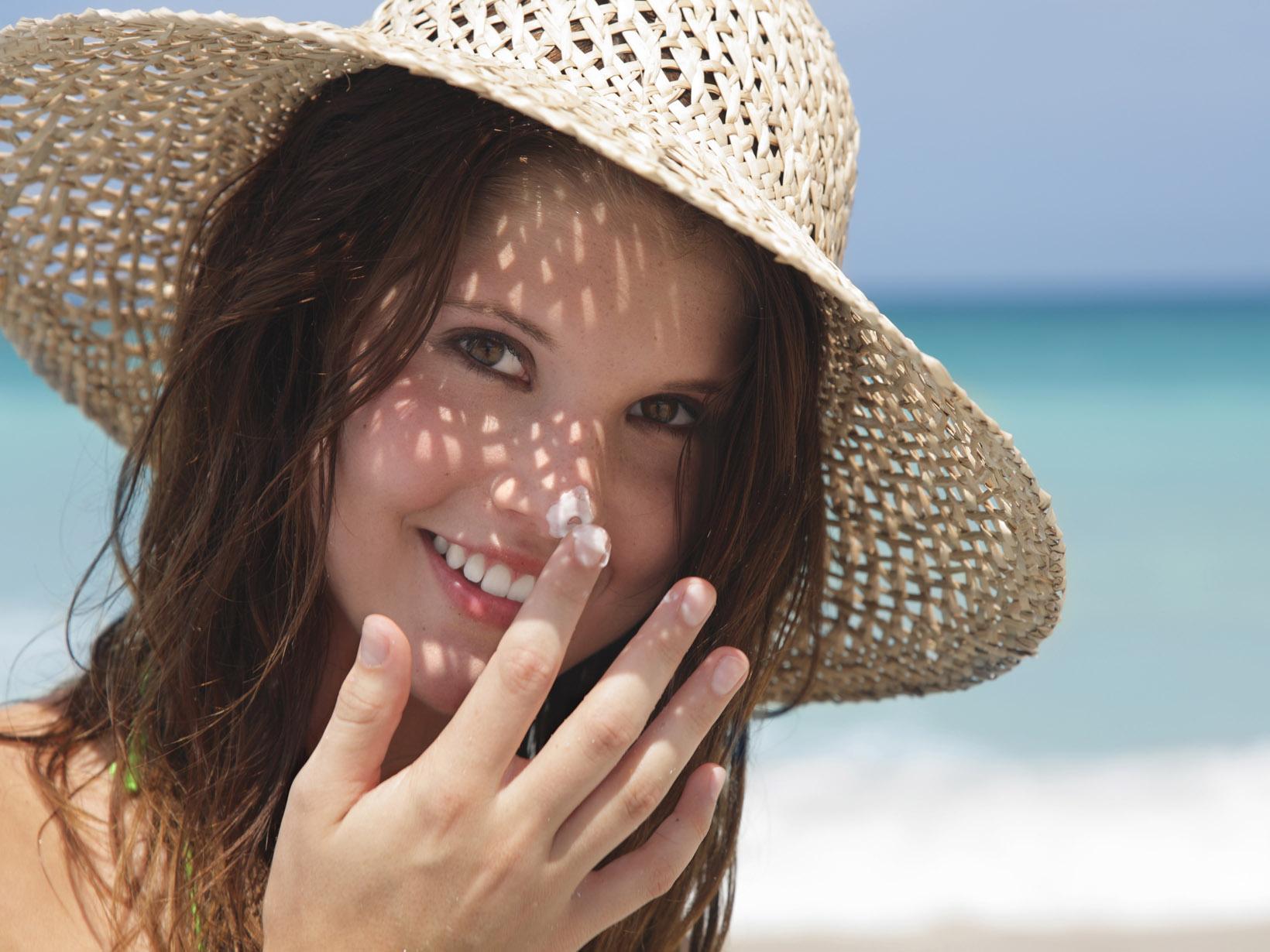 وصفات لحماية بشرتك من أشعة الشمس