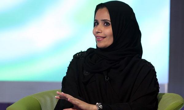 """""""هناء علوني"""" .. أول سعودية تكتب عن المستطيل الأخضر"""