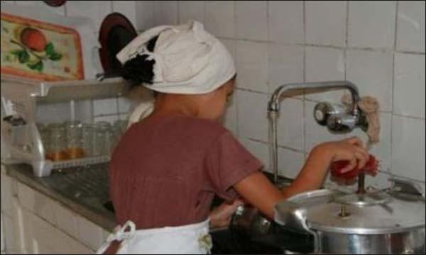 المغرب يعتمد قانون جديد يكرس حقوق عاملات المنازل