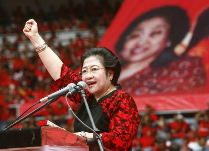 """""""ميجاواتي"""" رئيسة إندونيسيا التي تتشاور مع الأرواح"""