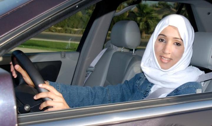 """""""منال الشريف"""" من قالت """"لأ"""" لوصاية الذكر وقادت المرأة إلى القيادة"""