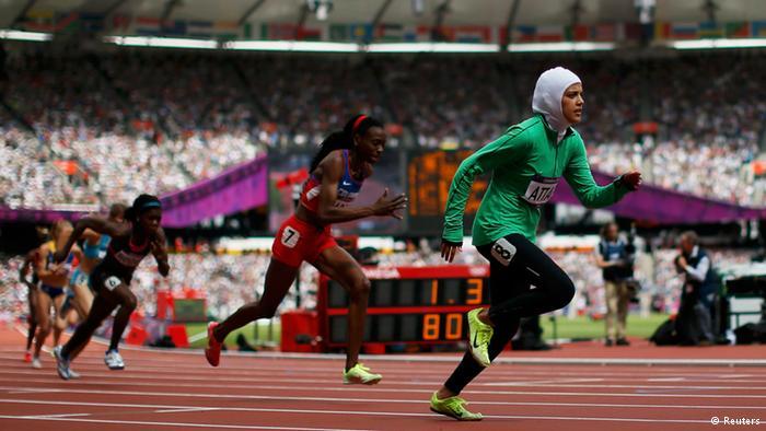 """""""سارة عطار"""".. من الجري بعباءة في جدة إلى الأوليمبياد"""