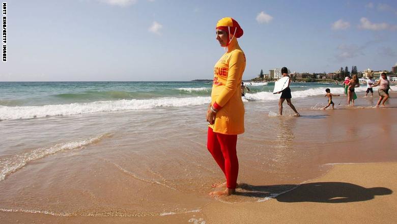 """مدن فرنسية تمنع """"البوركيني"""" من الشواطئ"""