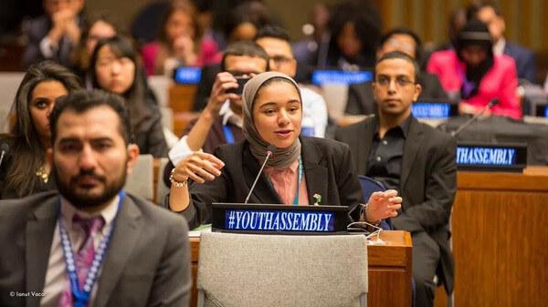 """""""رزان العقيل""""... قادها التطوع إلى أروقة الأمم المتحدة"""