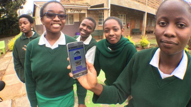 """طالبة كينية تبتكر تطبيق """"مسافر"""" لتذاكر الحافلات"""
