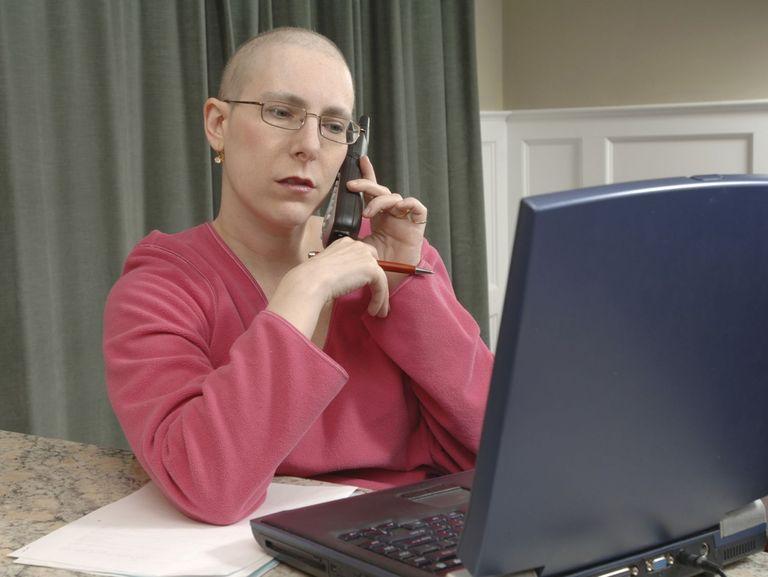 كيف تؤدين عملك أثناء العلاج من سرطان الثدي؟