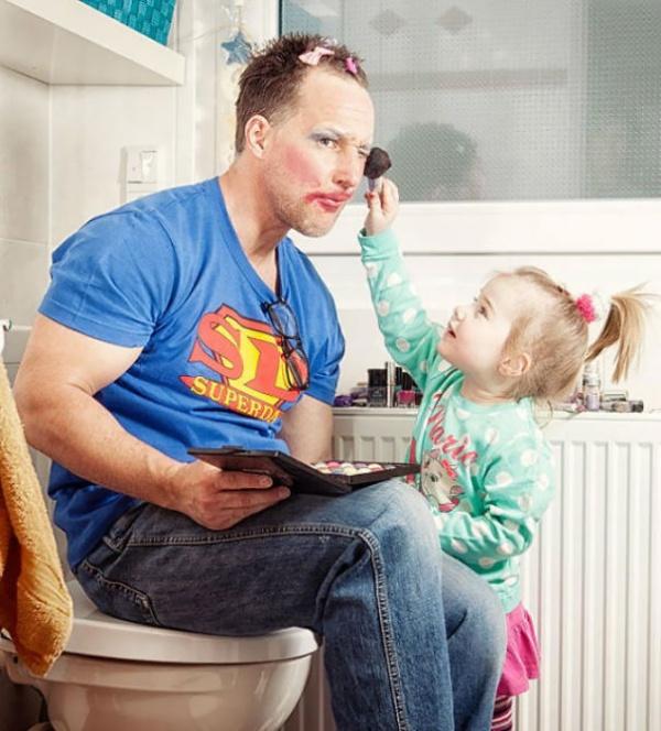 بالصور..أطرف كوارث بين الأطفال والآباء