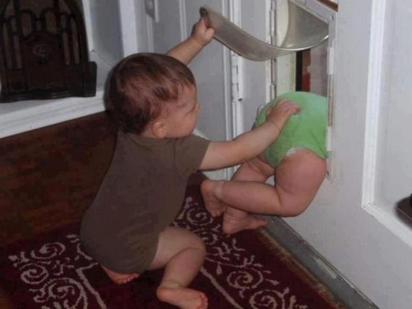بالصور..الكوارث المبهجة للأطفال في مملكة الآباء