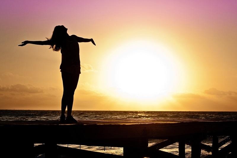 13 طريقة لتعيشين حياتك بسعادة وحرية