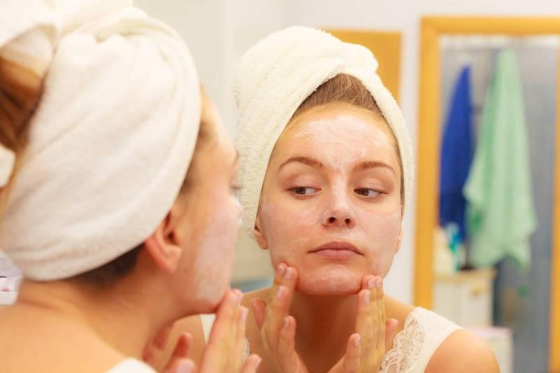 ماسكات طبيعية لحماية بشرتك في الشتاء