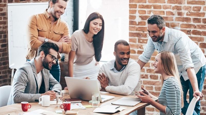 10 طرق لتكونين موظفة مميزة