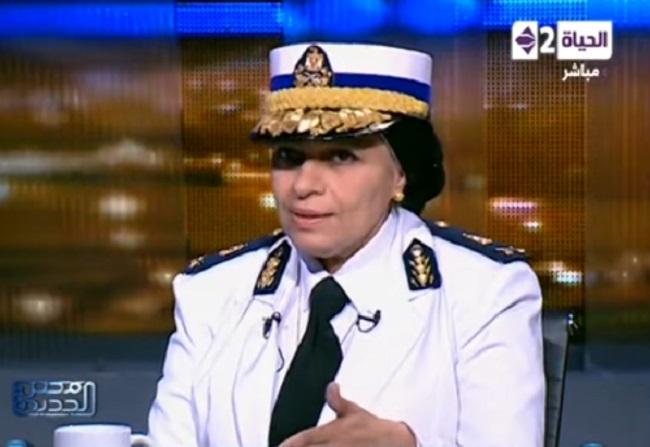 """الدكتورة عزة الجمل.. أول سيدة """"لواء"""" شرطة في مصر"""