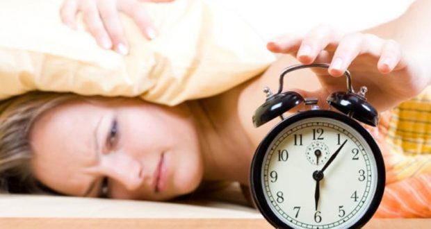 ستة أخطاء يجب تجنبها عند الاستيقاظ من النوم