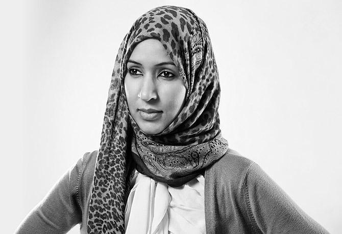 منال الشريف.. سعودية تتحدى الوصاية وتقود سيارتها