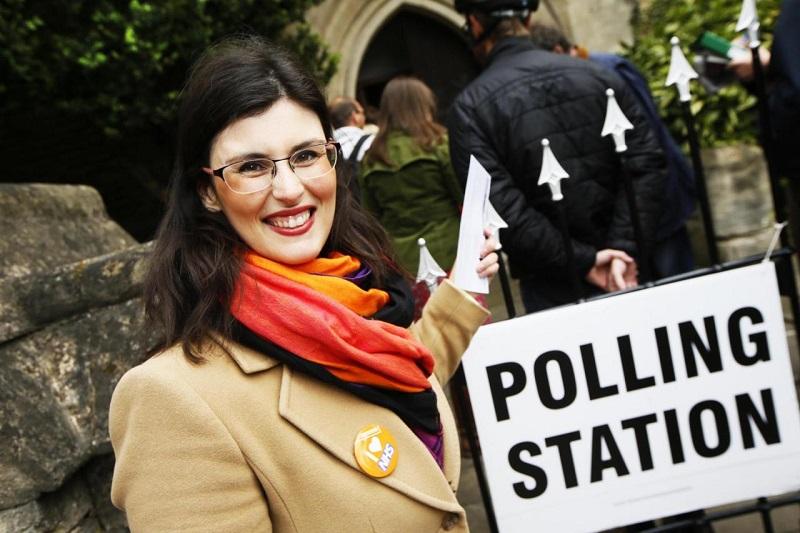 """10 معلومات عن """"ليلى موران"""" أول فلسطينية بالبرلمان البريطاني"""
