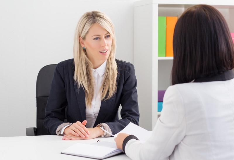 دراسة: النساء تتعرض لضغوط أكبر في مقابلات العمل