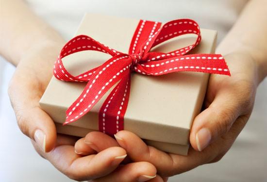 15 فكرة لهدايا يُمكنكِ تقديمها لصديقتك العروس