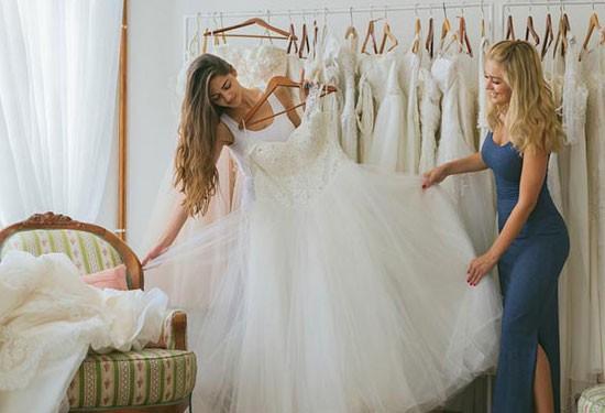 15 نصيحة للعرائس عند اختيار فساتين الزفاف
