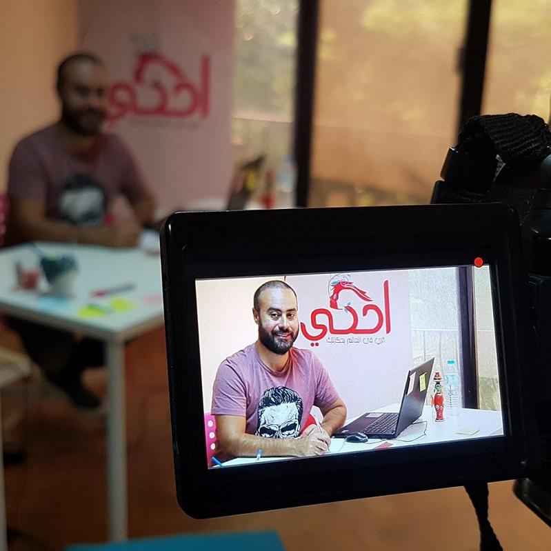 """5 بدائل لاختيار مكان الإقامة أثناء سفرك.. من الرحالة """"عمرو بدوي"""""""