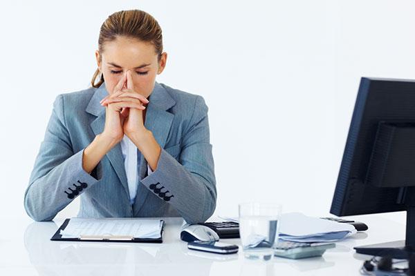 طرق تساعدكِ للتخلص من الإرهاق في العمل