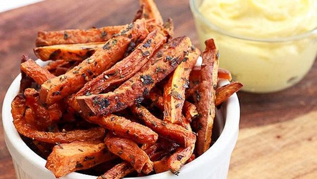 جربي.. البطاطا الحلوة المقرمشة
