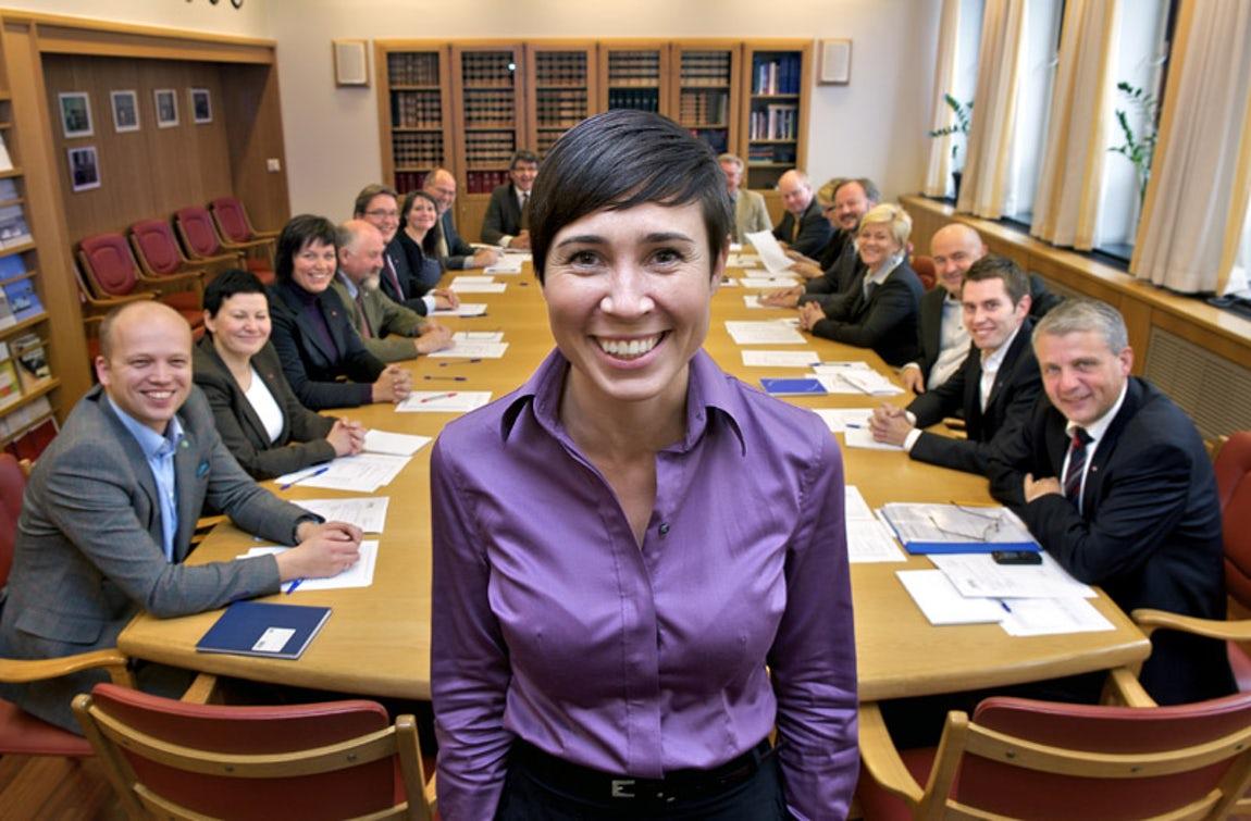 """"""" اينه سوريدي """" .. أول وزيرة للخارجية في النرويج"""
