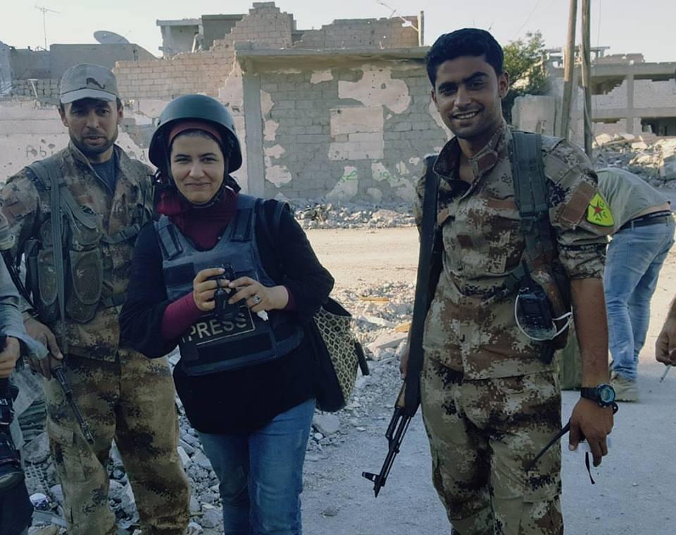 """""""صفاء صالح"""".. صحفية تهوى البحث عن المتاعب وتحدت """"داعش"""""""
