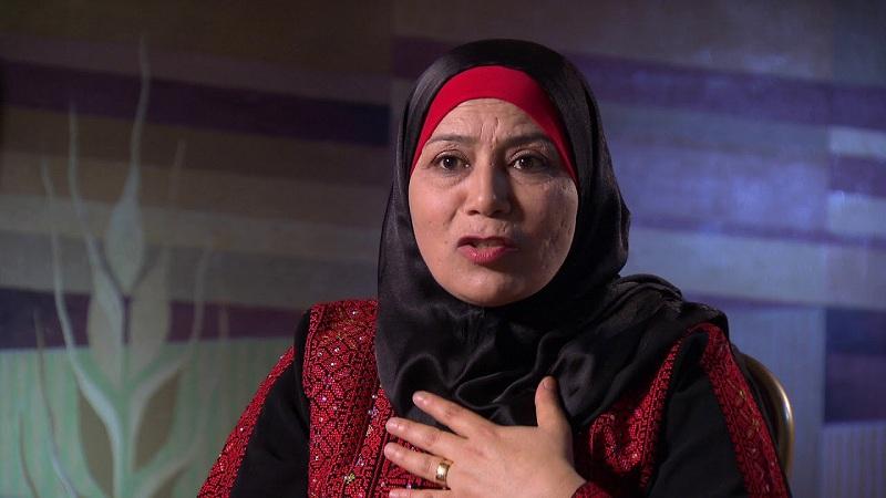 خلود الفقيه.. أول قاضية شرعية في فلسطين