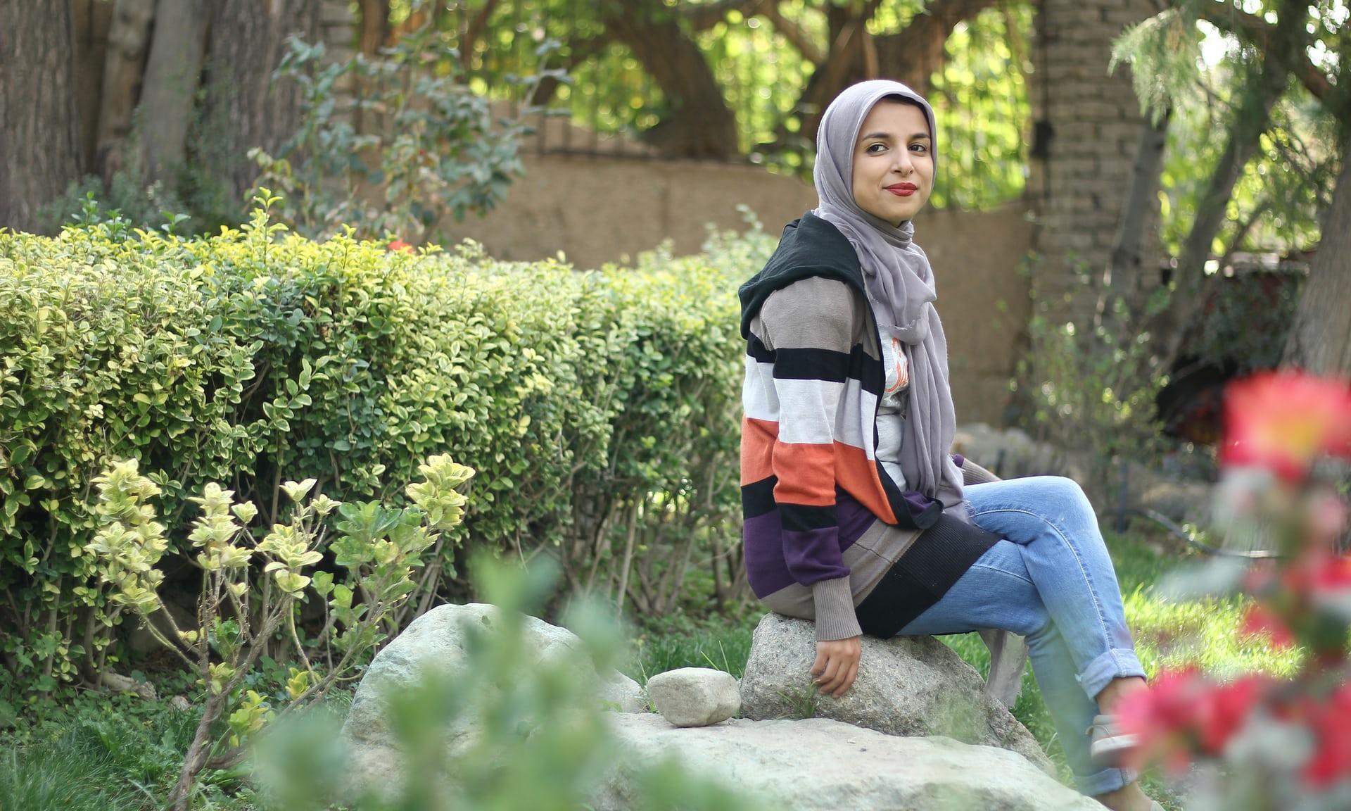 """"""" زينب موسوي"""" .. الإيرانية المُصرة على الكوميديا على الرغم من التهديدات"""
