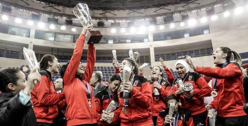 سيدات الأهلي يتوجن بلقب البطولة العربية للكرة الطائرة