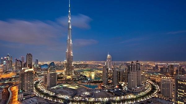 """""""برج خليفة"""" يستعد لسنة جديدة ومختلفة بالليزر"""