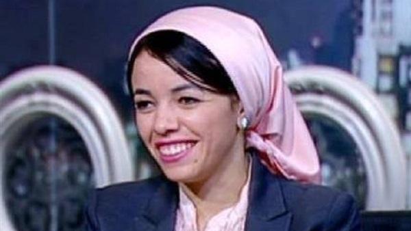 """د.إيمان رجب أول فتاة مصرية تفوز بجائزة """"الشباب العربي"""""""
