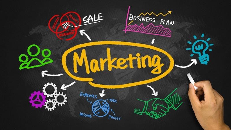 """6 مواقع لتعلم """"التسويق الإلكتروني"""" مجانا"""